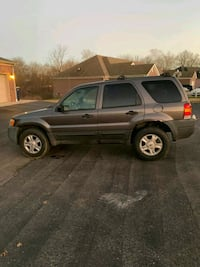 Ford - Escape - 2005 Bowling Green