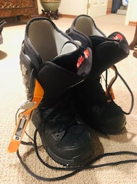 pair of black-and-orange inline skates Toronto, M1S 3G4