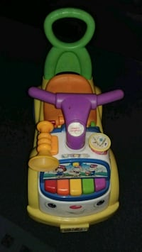 Fisher-Price MUSIC PARADE RIDE ON toy Pensacola, 32502