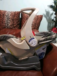 baby's gray and black car seat carrier Gaithersburg, 20877
