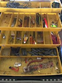 Vintage tackle box with lures Oneida, 13421