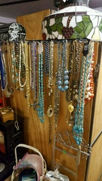 brown and blue beaded necklace North Las Vegas, 89032