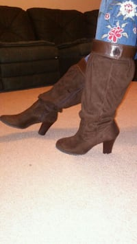 Brown booties with zipper North Las Vegas, 89081