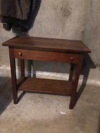 square brown wooden side table Wethersfield, 06109