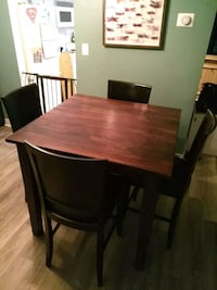 Pub table and 4 chairs $100 Niagara Falls, L2J 1H6