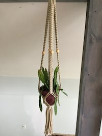 green and white beaded necklace Youngstown, 44514