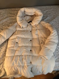 Brand new cream puffer winter coat from Suzy Sheer. I have 2 (M&L) Kitchener, N2E 2P9