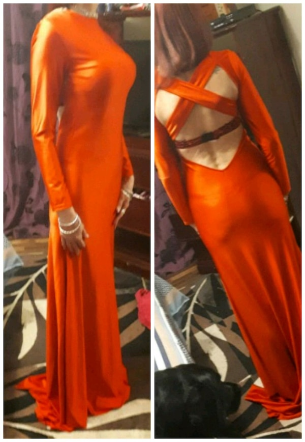 Real satin long red gown e06df204-17d5-4098-8039-71b87a27ff94