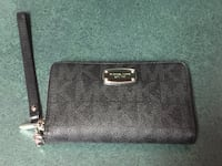 Michael Kors wallet  Winnipeg, R3T 5V6