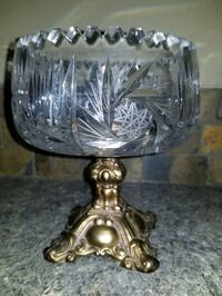 Crystal bowl on brass stand Calgary, T3J
