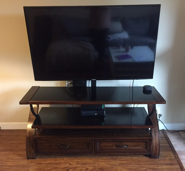 Medium Brown Tv Stand With Mount Black Glass Shelves Good Quality