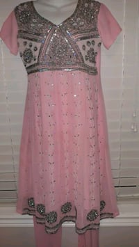 3 peices pink and silver Indian wear size medium to large  Brampton, L6S