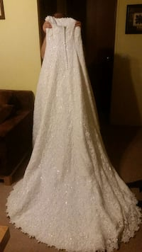 michelangelo lace and crystal wedding gown Fayetteville, 28312