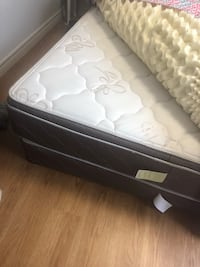 Queen mattress and box spring Barrie, L4N 5A3