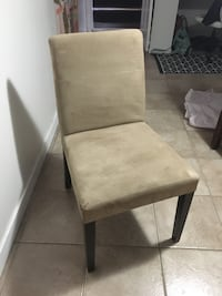 4 dining room chairs Toronto, M5A 3X2