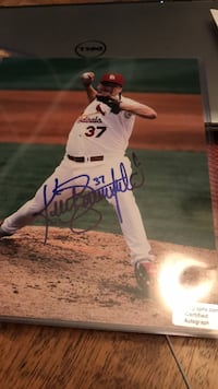 Signed MLB photo with COA 16 km