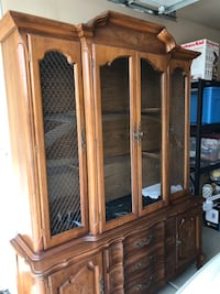 Antique China Cabinet with lighting. Good condition 1624 mi