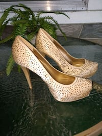 Size 9 Gold High Heels Lancaster, 17602