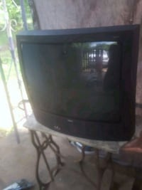 black CRT TV with remote Montgomery, 36108