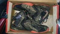 pair of black-and-red Nike basketball shoes Arlington, 22204
