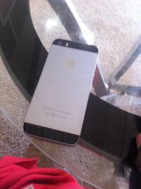 iPhone 5s in good condition and comes with charger plus plug