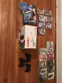 Xbox 360 console w/ Kinect, 320 gb drive, Disney infinity, 3 controllers, and 18 games Wilmington, 19803