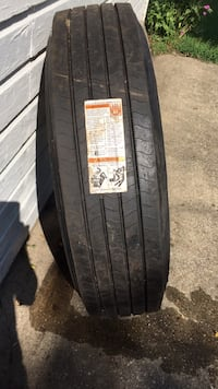 Firestone Semi Trailer tire new recap never mounted  905 mi