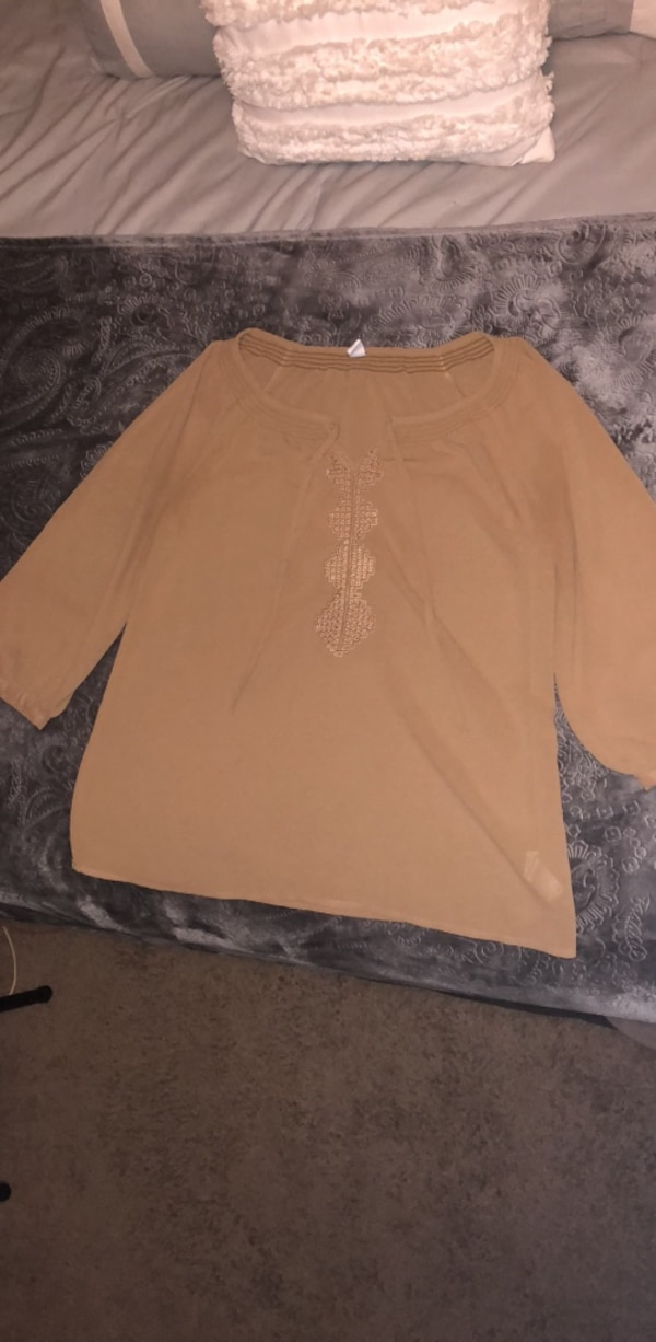 Old Navy top. Medium. Barely worn