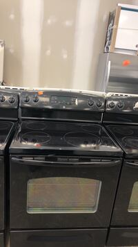 Black GE electric stove excellent conditions Bowie, 20715