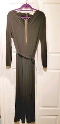 Holiday dresses clean out sale (M) Vancouver, V6H 3W9