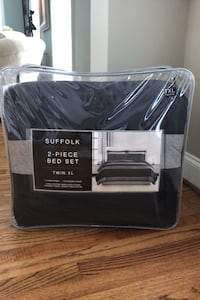Ready for college? Twin XL 2-piece bed set NEW NEVER OPENED