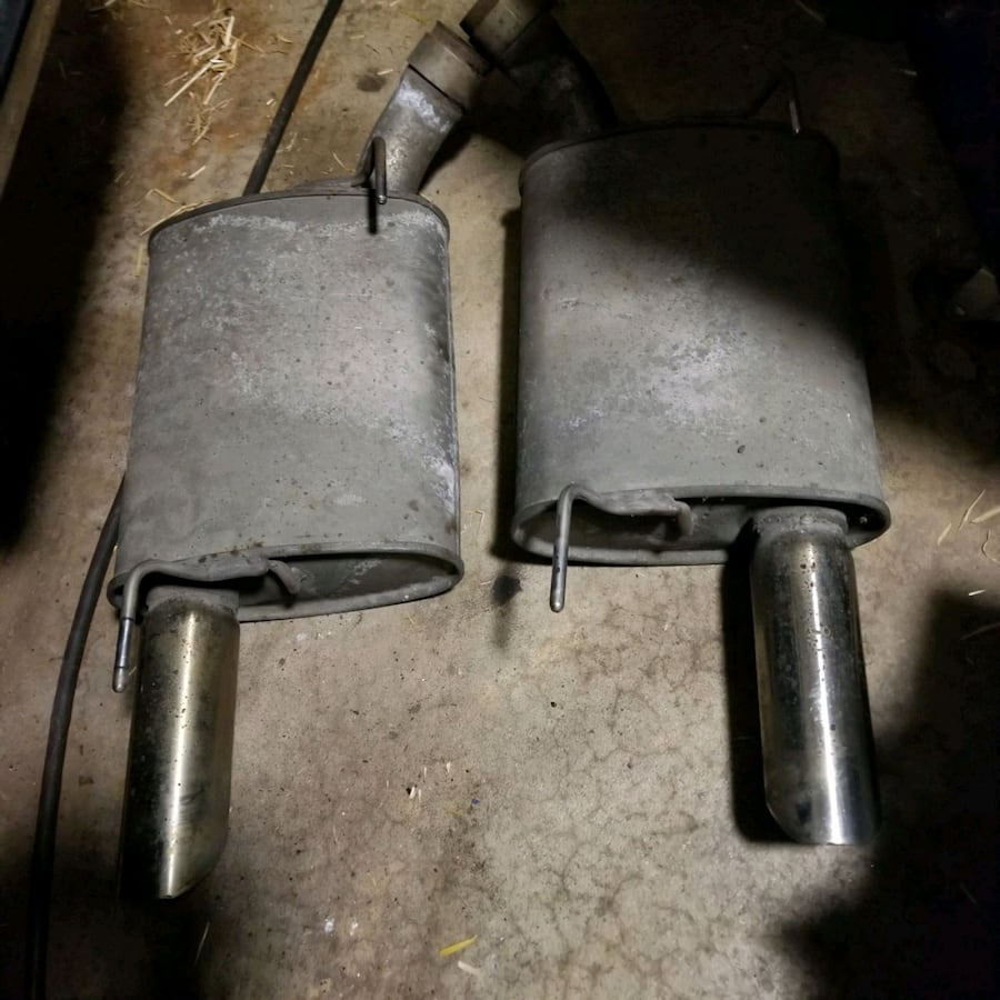 Ford Mustang gt mufflers