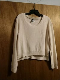 H&M off white scoop-neck sweater size M Colorado Springs, 80906