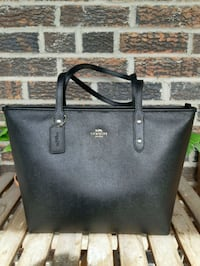 Coach city zip tote black Toronto, M2R 3K6