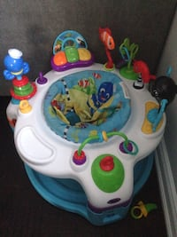Baby's white and blue activity center