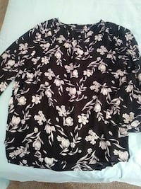 black and white floral long-sleeved shirt New York, 10019