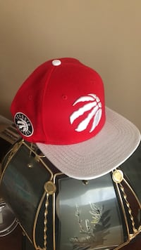 red and white fitted cap London, N6G 2M9