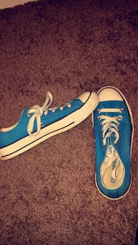 Rarely worn blue converse size 7.5!