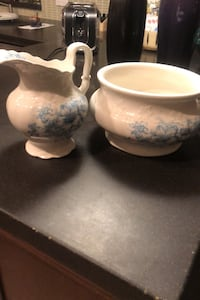 Vase and bowl.