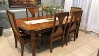 Dinning table w/8chairs Newport News