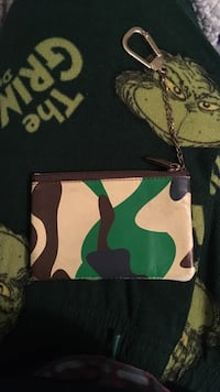 Pink Dolphin Pouch, some wear and tear. Price negotiable Damascus, 20872