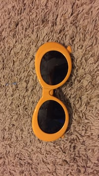 Yellow clout goggles Omaha, 68105