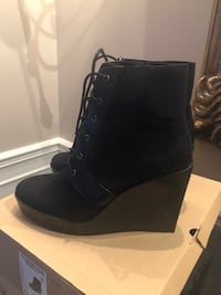 Zara booties never worn Laval, H7E 1W8
