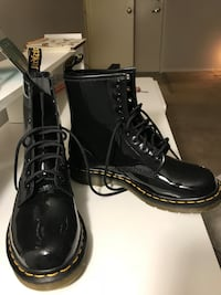 Dr. martens glossy rain boots  Silver Spring, 20901