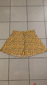 Floral yellow skirt Toronto, M3M 2R4