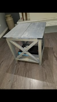 Grey stained end table pair Caledon, L7E