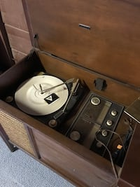 Vintage Record Player Cabinet Lake Elsinore, 92530