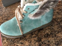 Size 11 women's timberland boots West St. Paul, R2V