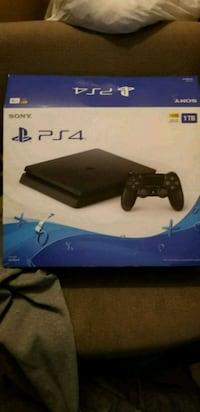 Sony PS4 Slim console 1TB with 2 controllers  Amsterdam, 12010