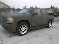 GMC - Yukon XL - 2001 Tracy